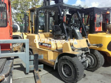 Carretilla diesel Caterpillar DP40KL