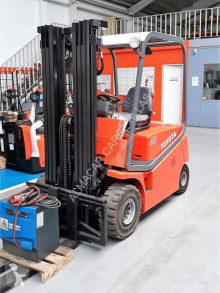 BT Cargo CBE 25 used electric forklift
