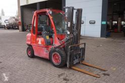 Nissan UGD02A30PQ Heftruck/ 3000Kg/ Vrije heffing diesel vagn begagnad