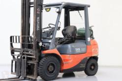 Toyota 42-7FGF25 Forklift