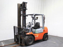 Toyota 02-7 FDF 30 used diesel forklift