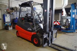 Fenwick-Linde E 30-02 used electric forklift