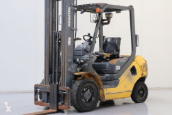 Komatsu FD25T-17 Forklift