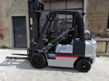 Nissan UD02A25PQ wózek widłowy