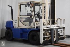 Doosan D70S-5 carrello elevatore diesel usato