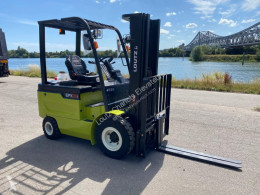 Clark EPX 25 I used electric forklift