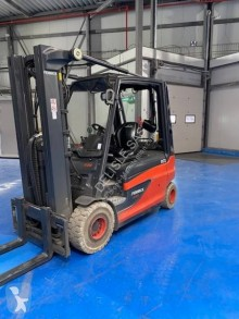 Fenwick-Linde E25L used electric forklift