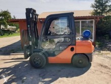 Toyota 02-8FGJF35 used gas forklift