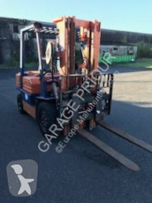 Toyota FD25 FORKLIFT chariot diesel occasion