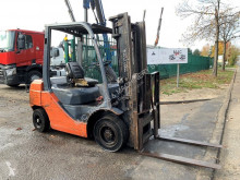 Toyota 52-8FDF25 - 2.5 TONS - DIESEL - SIDE-SHIFT + FORK ADJUSTMENT / SIDE-SHIFT + VORKENVERSTELLER / SIDE-SHIFT + POSITIONNEUR DE FOUR used diesel forklift