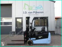 Chariot électrique Utilev UT20PTE 2t triplex4.8m sideshift 1160uur! TUV accu 86%!