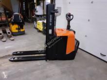 Stapelaar met staanplaats bestuurder BT spe160l stapelaar elektrische accu 2016