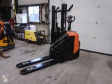Stohovací zařízení BT spe200d stapelaar elektrische met freelift doprovod nový