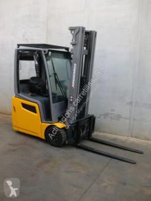 Jungheinrich EFG 213 550 DZ chariot électrique occasion