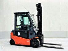 Toyota 8FMBT35 used electric forklift