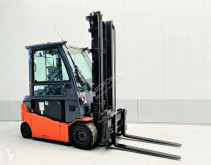 Toyota 8FBMT35 used electric forklift