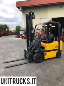 OM electric forklift