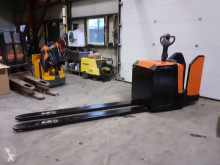 Transpaleta BT lpe 240 meerij paletwagen elektrische lepellengte 240 cm de conductor a pie usada