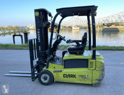Clark GTX18 used electric forklift