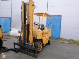 Naftový vozík Caterpillar V60