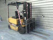 Chariot électrique Caterpillar EP25K-PAC