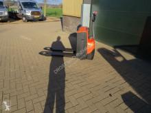Transpalette accompagnant BT lwe 180 palletwagen elektrische