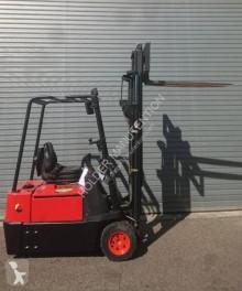 Chariot électrique Fenwick-Linde E 15P-02
