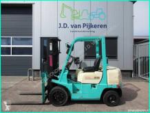 Diesel heftruck Yang FD25 2.5t Isuzu diesel triplex freelift 3xhydrauliek