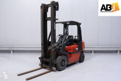 Nissan UD-02-A-25-PQ used gas forklift
