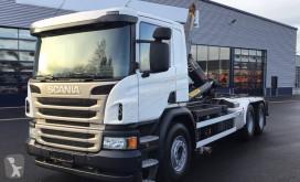 Carretilla elevadora Scania P 400 DB 6x2*4 Hook truck with crane usada