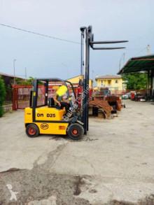 Vysokozdvižný vozík OM D25 dieselový vysokozdvižný vozík ojazdený