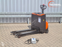 Apilador BT LWE 160 Meeloop stapelaar - Electro pallettruck - incl. Lader, Elektrohubwagen, Electric pallet truck, Toyota, Levio acompañante usado