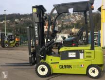 Voir les photos Chariot élévateur Clark GEX20S