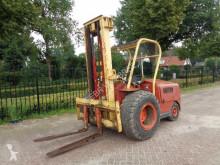 Stivuitor toate terenurile koop linde H40 diesel heftruck second-hand