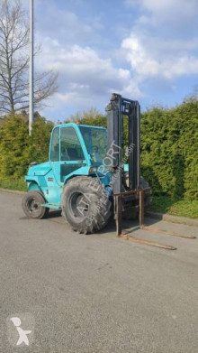 Stivuitor toate terenurile Manitou M26-2 second-hand