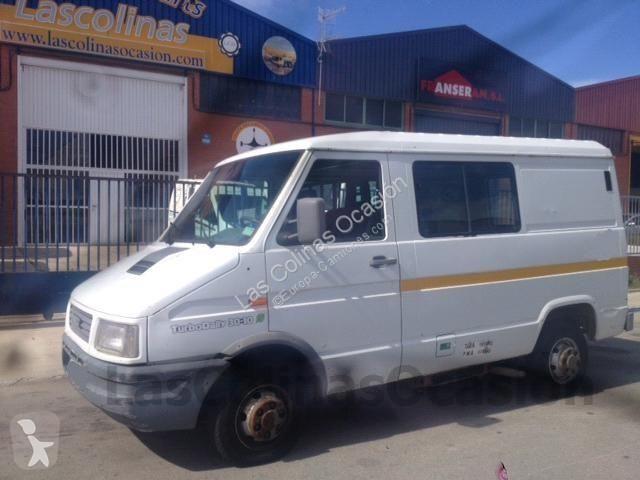 Voir les photos Autobus Iveco TURBO DAILY 30-10