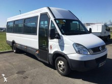 باص باص متوسط Iveco Daily 50C17 22 places + 1 place