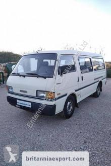 Minibús Mazda E2200