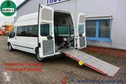 Autobús Ford Transit 125T300 8 Sitze Rollstuhrampe Scheckheft minibús usado