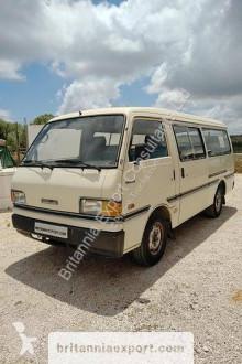 Autobús Mazda E2200 minibús usado
