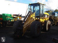 Caterpillar 930G incarcator pe roti second-hand