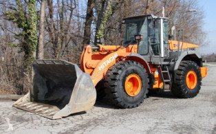 Hitachi ZW220 loader used