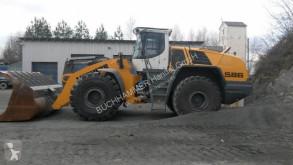 pala cargadora Liebherr L586