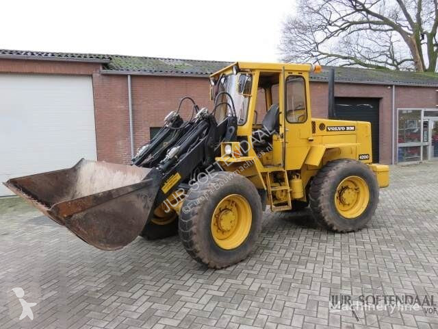 View images Volvo 4200 loader