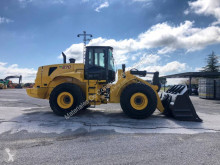 chargeuse sur pneus New Holland