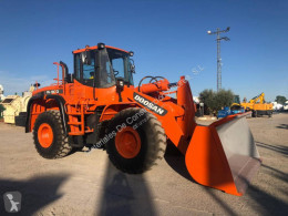 Doosan DL 300 incarcator pe roti second-hand