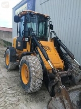 JCB 411 incarcator pe roti second-hand
