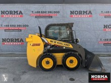 مُحمّلة New Holland L215