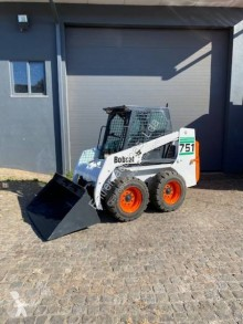 Mini-pá carregadora Bobcat 751