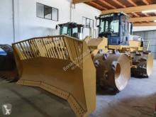Lastik tekerli yükleyici Caterpillar 816 F con ruedas de hierro